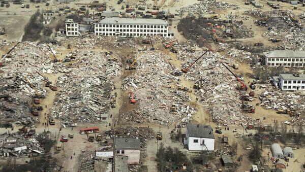 Разрушенный в результате землетрясения г. Нефтегорск. Архивное фото