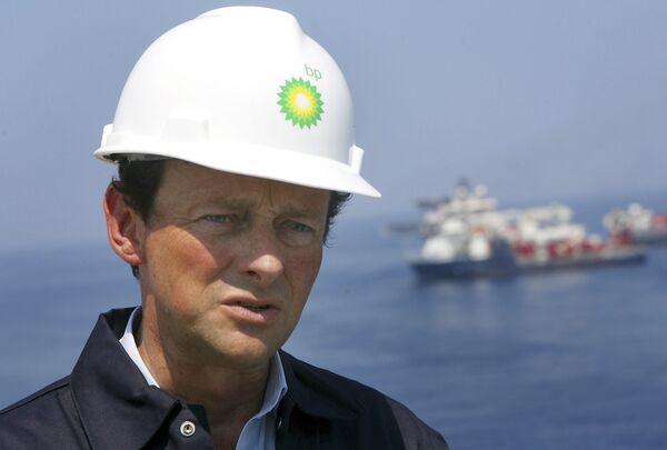BP снова опровергает информацию о возможной отставке Хейворда