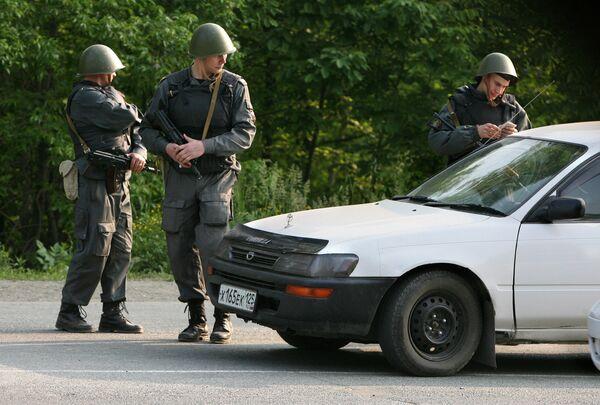 Вооруженные наряды сотрудников милиции