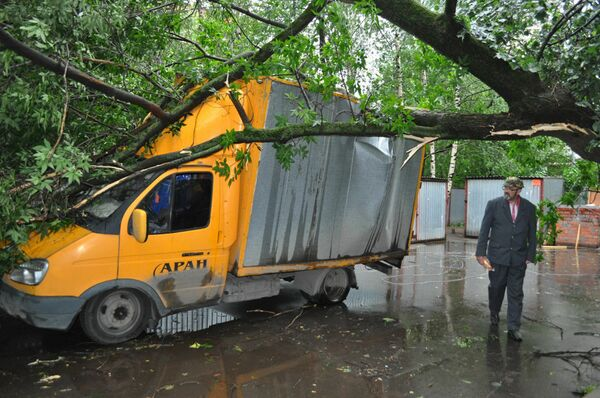 Последствия грозы в Москве 13 июня 2010 г.