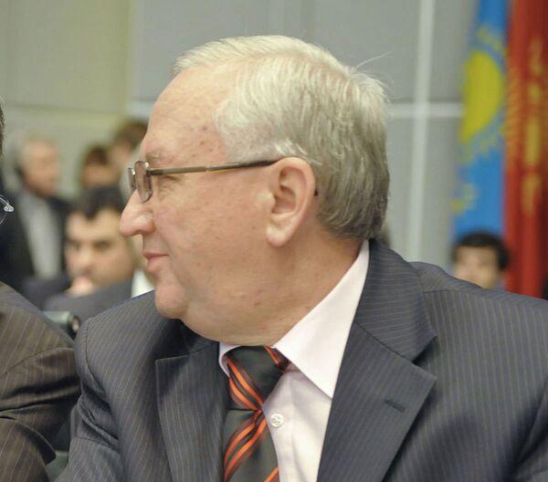 Постоянный представитель России при ОБСЕ Анвар Азимов