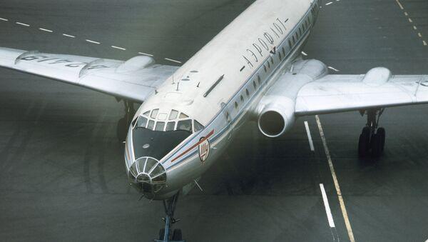 Самолет Ту-104. Архив