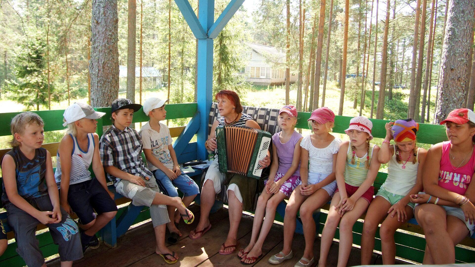 Дети в оздоровительном лагере - РИА Новости, 1920, 14.05.2021