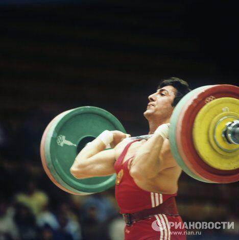 Тяжелоатлет Юрий Норайрович Варданян