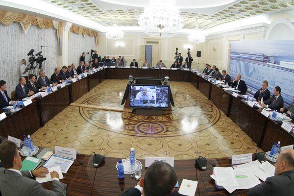Премьер-министр РФ Владимир Путин провел совещание по вопросу О мерах по развитию черной металлургии
