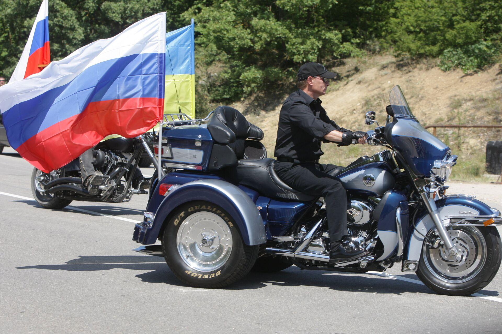 Рабочий визит Владимира Путина на Украину 24 июля 2010 года - последние  новости сегодня - РИА Новости