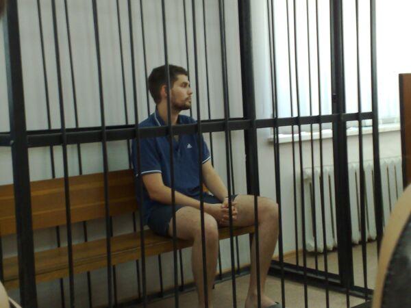 Арестованный рэпер Noize MC в зале суда в Волгограде. Архив