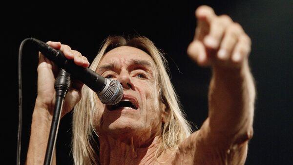 Концерт американского певца Игги Попа и его группы The Stooges