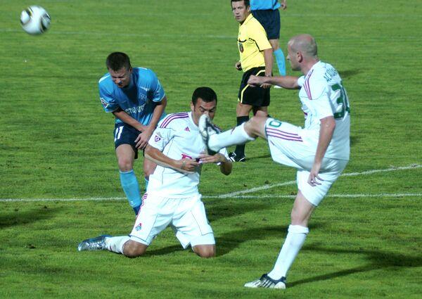Игровой момент матча Крылья Советов -Локомотив