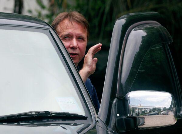 Михаил Плетнев после посещения зала суда в Паттайе 11 августа 2010 г.