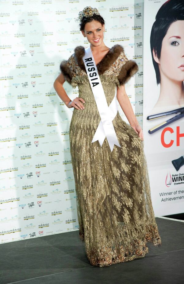 Участница конкурса красоты Мисс Вселенная-2010 Ирина Антоненко, Россия