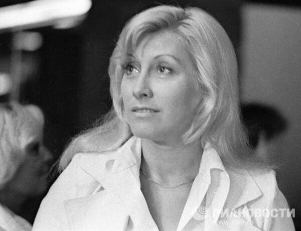 Актриса Мирошниченко