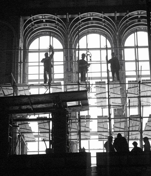 Строительство храма. Архив