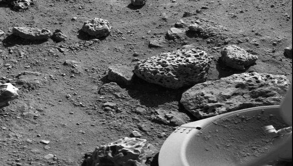 Первая в истории фотография с поверхности Марса, сделанная аппаратом Викинг-1