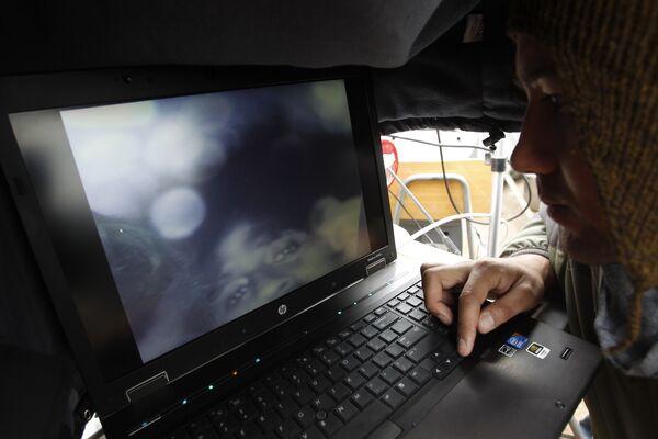 В Чили налажена связь с заблокированными в шахте горняками