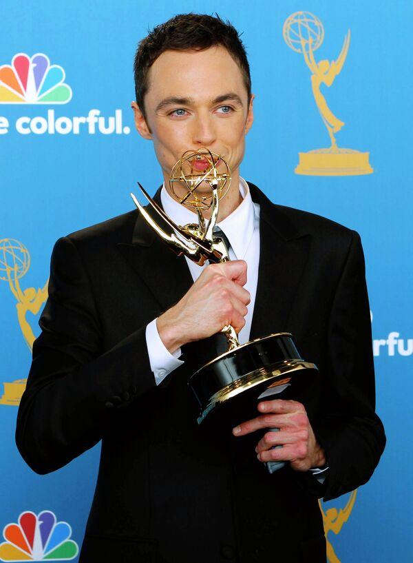Джим Парсонс получил Эмми в номинации Лучший комедийный актер