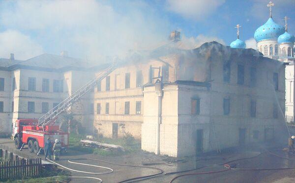 Пожар в мужском монастыре Авраамий Городецкий Костромской области