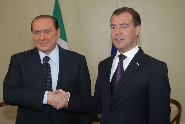 Президент РФ Д.Медведев провел встречу с премьером Италии С.Берлускони