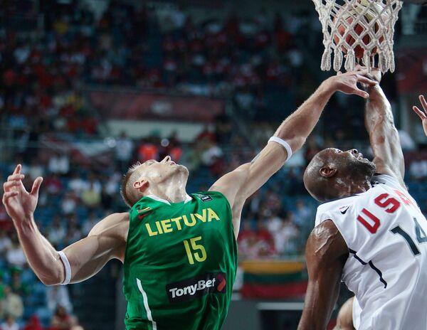 Игровой момент США - Литва