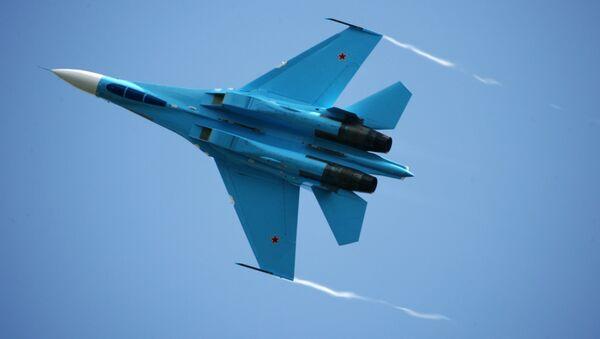 Самолет-истребитель Су-27. Архив