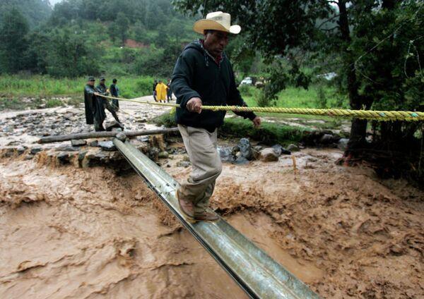Последствия оползня в мексиканском штате Оахака в Мексике