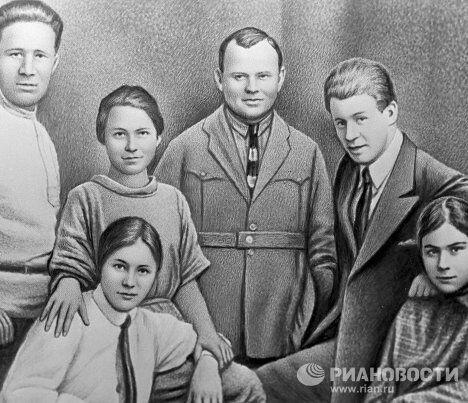 Есенин с сёстрами, Наседкин, Сахаров и Толстая