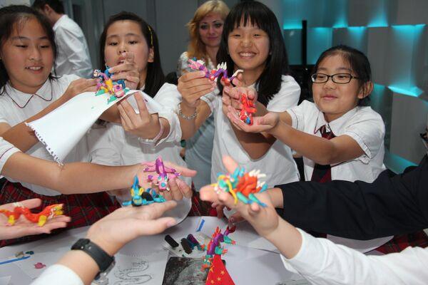 Российский павильон провел серию мероприятий с участием китайских и российских школьников