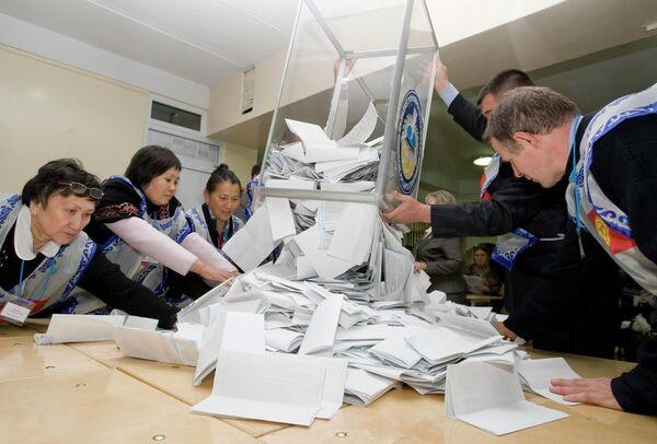Подсчет голосов на выборах в Киргизии