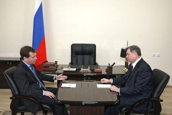 Президент РФ Д.Медведев встретился с губернатором Калужской области А.Артамоновым