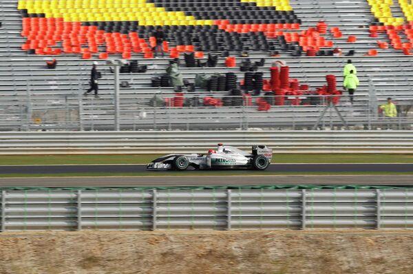 Михаэль Шумахер во время тренировочных заездов на трассе в Южной Корее