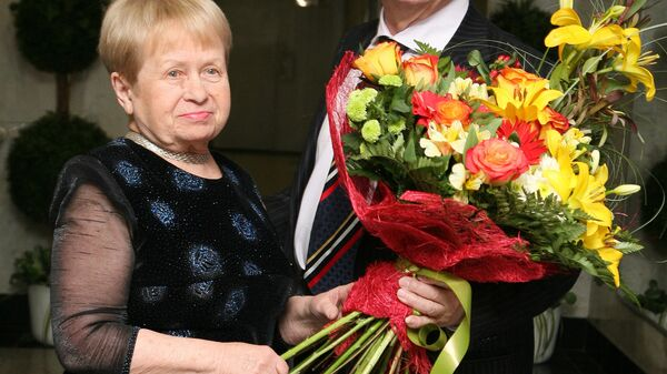 Александра Пахмутова, Николай Добронравов