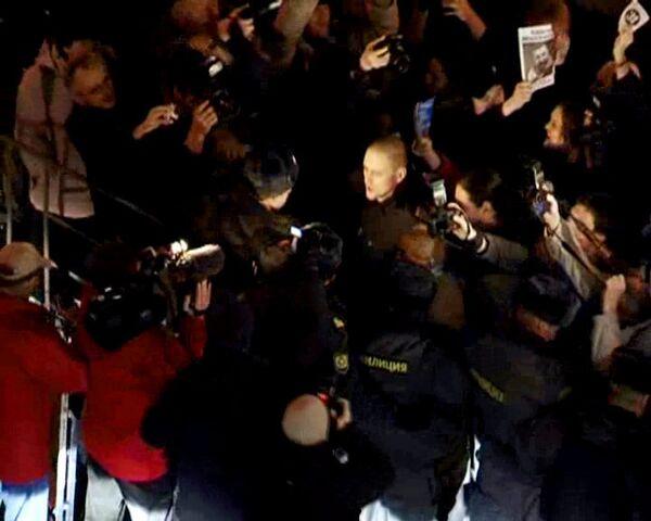 Участники несанкционированной акции пытались пробиться на Триумфальную