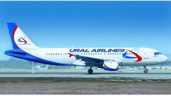 Самолет А 320 компании Уральские авиалинии