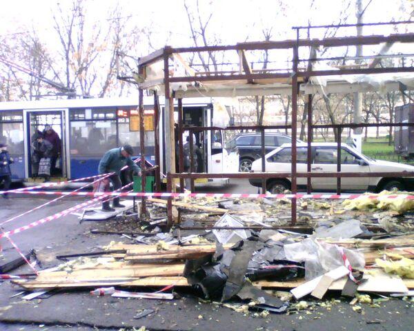 Сломанные ларьки у метро Текстильщики и Кузьминки