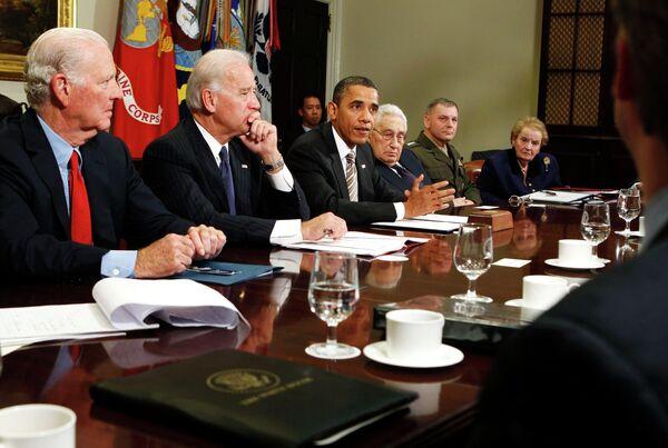 Президент США Барак Обама во время совещания по вопросу о договоре СНВ
