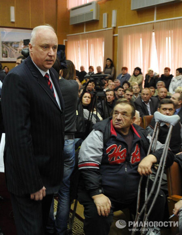 Встреча главы следственного комитета при прокуратуре Российской Федерации Александра Бастрыкина с жителями станицы Кущевской