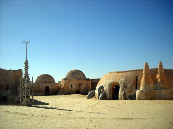 Декорации к фильму Звездные войны в Сахаре. Татуин. Архив
