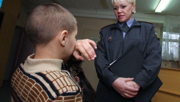 К проверке в детдоме привлекаются инспекторы подразделения по делам несовершеннолетних. Архивное фото