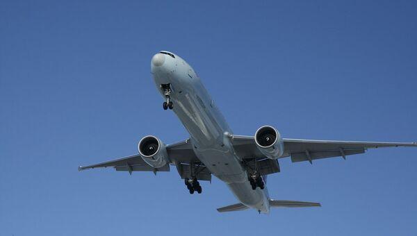 Самолет Boeing 777. Архив