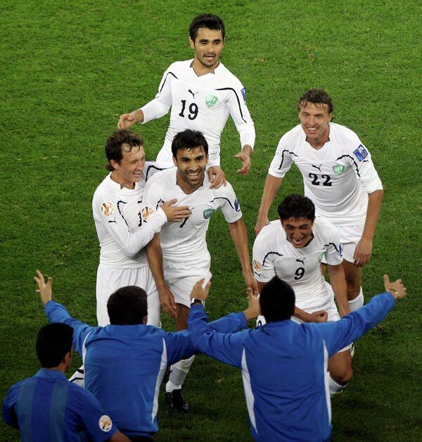 Футболисты сборной Узбекистана