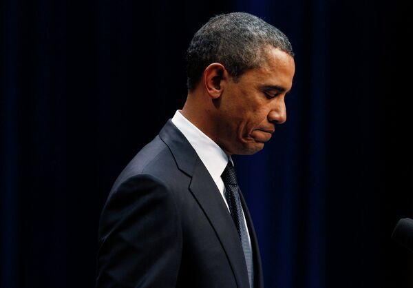 Барак Обама во время мемориальной церемонии в университете Аризоны