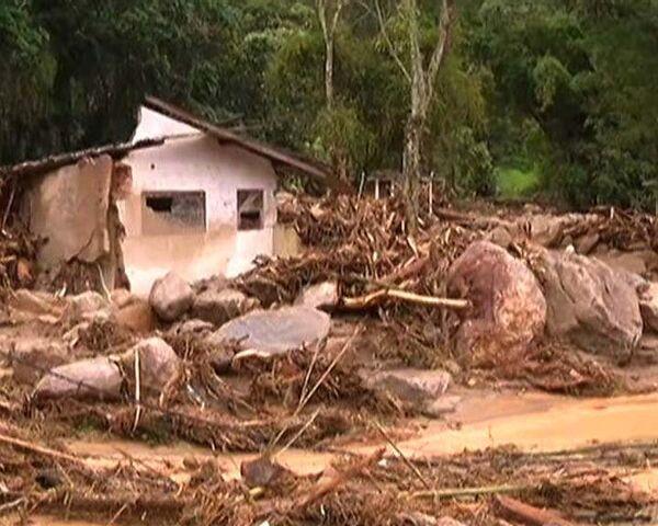 Города в горных районах Бразилии превратились в грязевое месиво