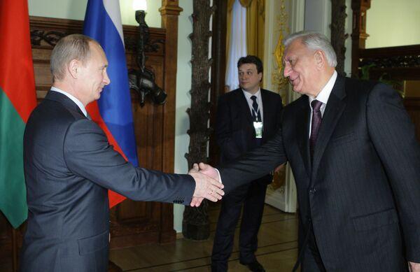 Встреча премьер-министров России и Белоруссии Владимира Путина и Михаила Мясниковича