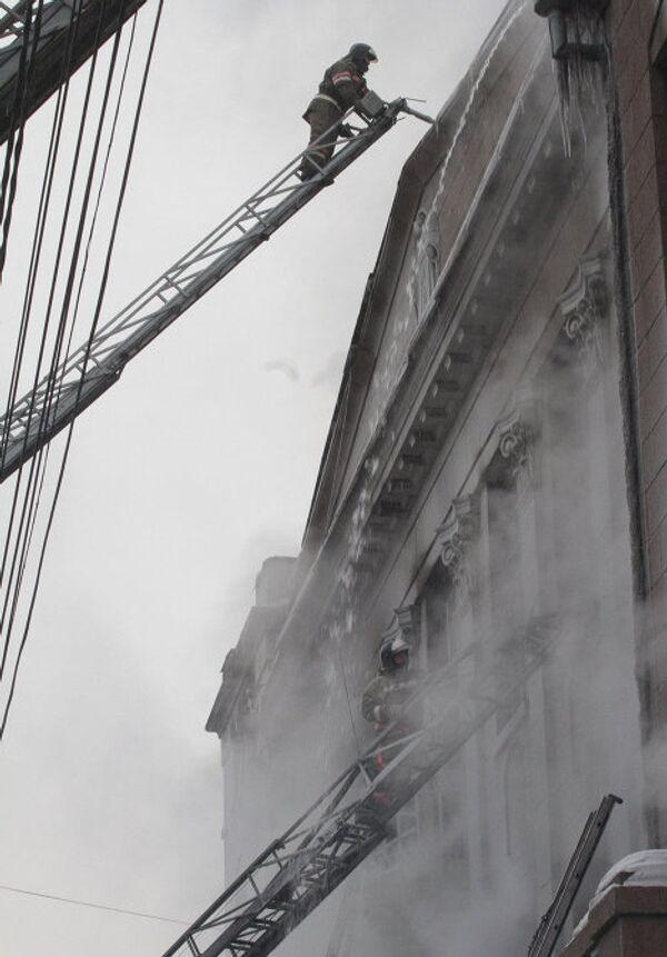 Потушен пожар в центре Красноярска в театра Пушкина в Красноярске