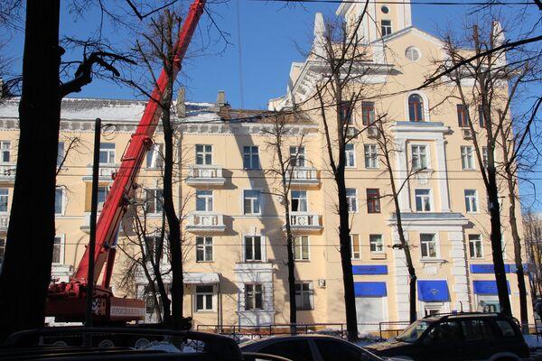 Жилой дом частично обрушился в Ярославле