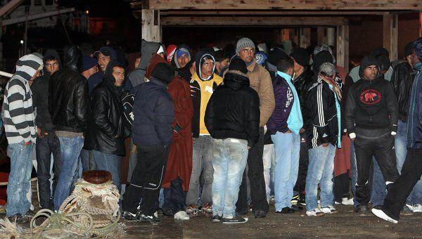 Мигранты из Туниса в Италии