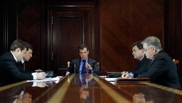 Дмитрий Медведев провел совещание по обеспечению безопасности на транспорте.