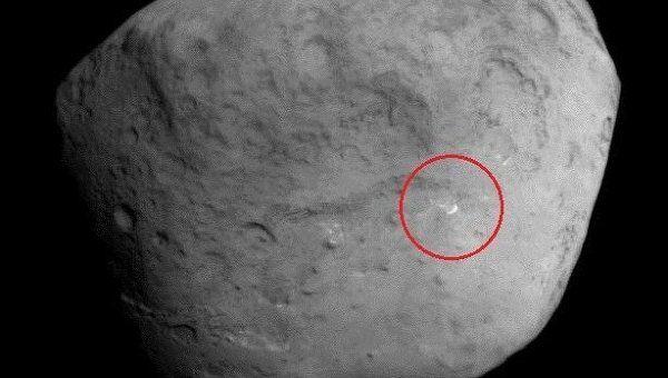 Возможное место удара рукотворного метеорита на снимке с зонда Stardust