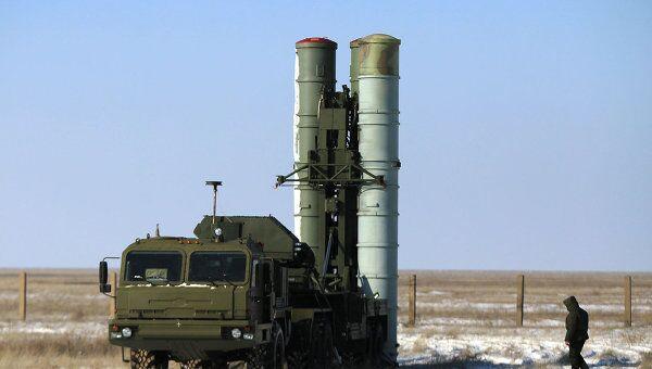 Пусковая установка зенитных ракет комплекса С-400 на территории государственного полигона Капустин Яр. Архивное фото
