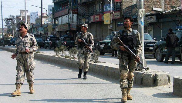 Афганская полиция у банка, на который напали боевики
